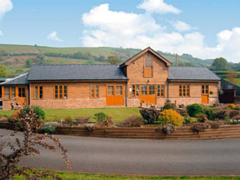 Cefn Colwyn Barn - 28198, vacation rental in Llandinam