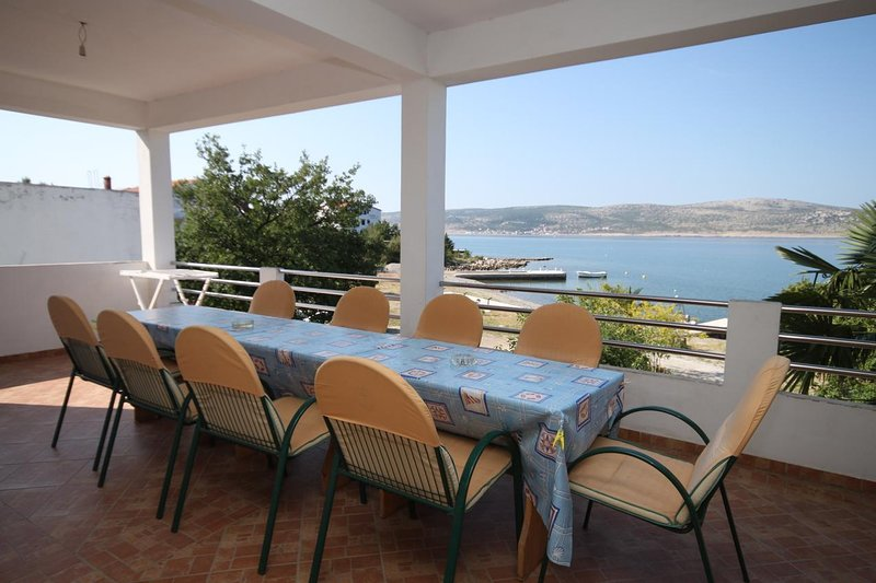 Skiljic Apartment Sleeps 13 with Air Con - 5466169, holiday rental in Seline