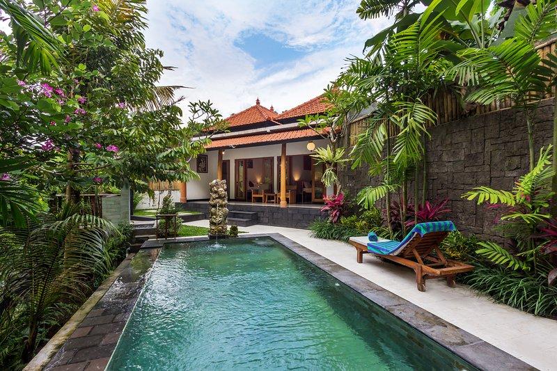 Riverview 2 Bedroom Pool Villa, holiday rental in Kerobokan Kaja