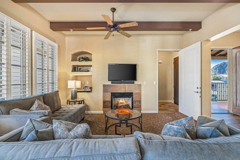 (C48) Lux Villa near Clubhouse w/ Mtn Views, holiday rental in La Quinta