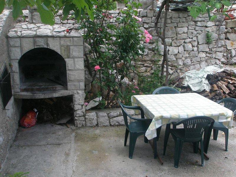 Trpanj Apartment Sleeps 11 with Air Con - 5470639, alquiler vacacional en Trpanj