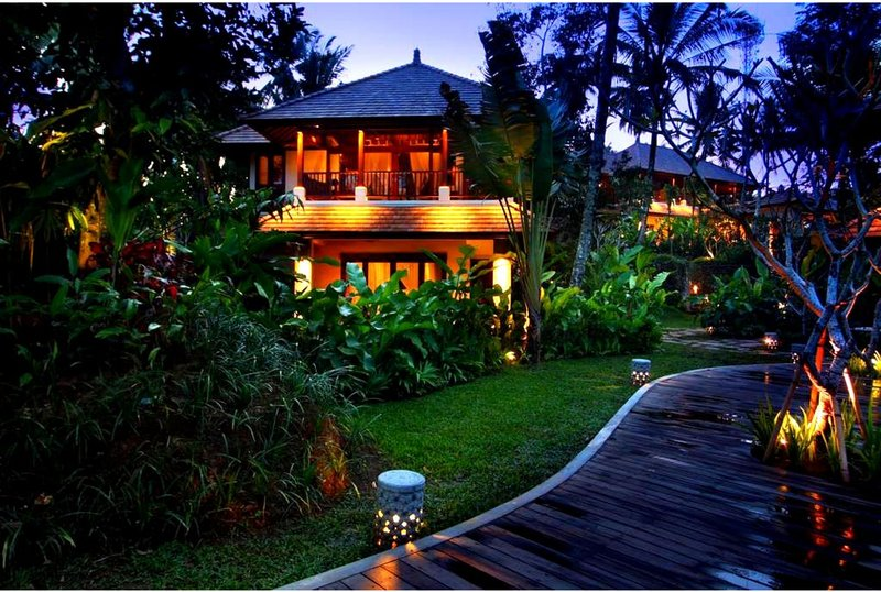 1 BR Stunning Suite Twin Room - Breakfast W/ Polite and Dedicated Staff   (BR21), alquiler vacacional en Melayang