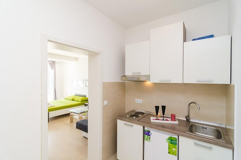 Holiday home 182649 - Studio apartment 208728, vacation rental in Srebreno