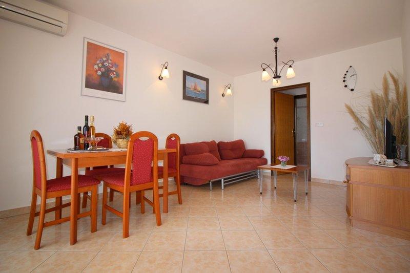 Holiday home 179583 - Holiday apartment 201486, holiday rental in Veli Maj