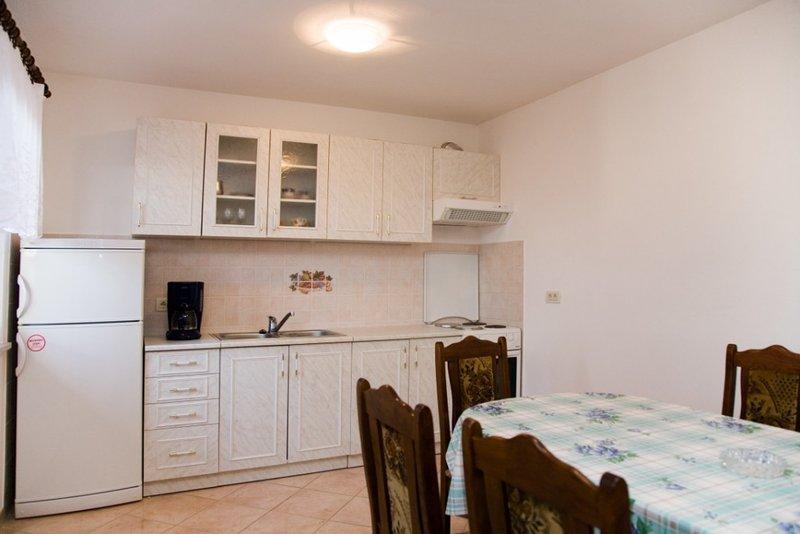 Holiday home 143588 - Holiday apartment 126208, location de vacances à Flengi