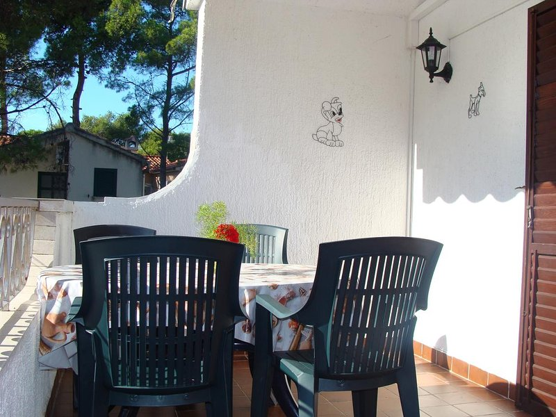 Jadrija Apartment Sleeps 6 with Air Con - 5470452, vacation rental in Jadrija