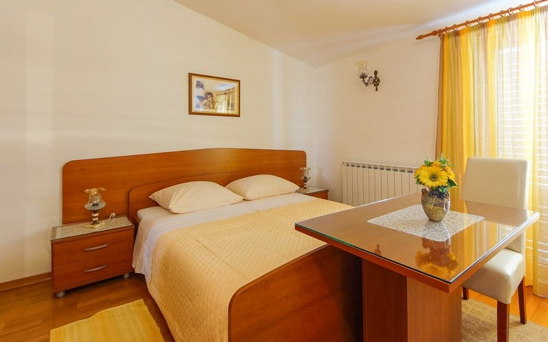 Holiday home 143331 - Guest room 189771, vacation rental in Srebreno