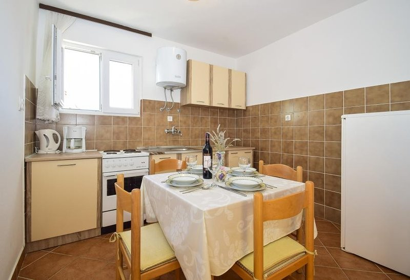 Holiday home 144246 - Holiday apartment 127789, holiday rental in Tijesno
