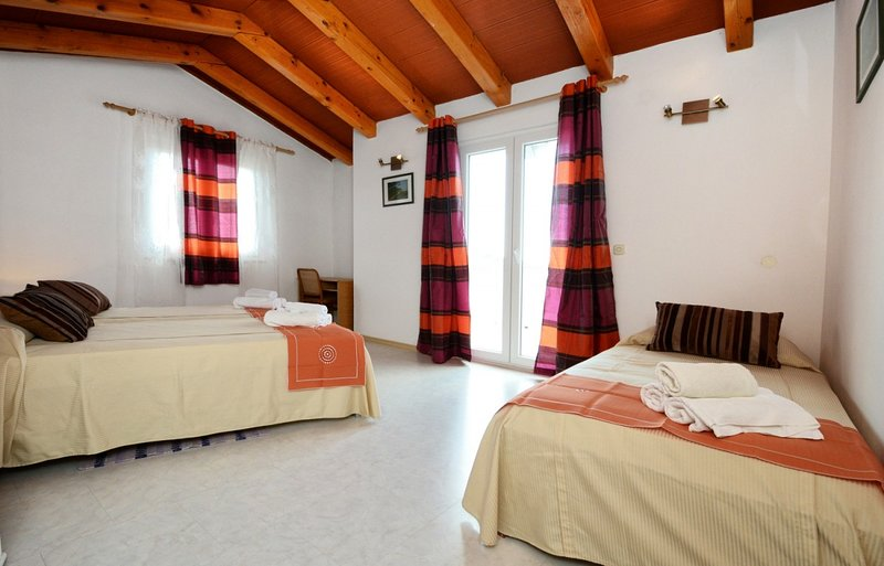 Holiday home 179577 - Holiday home for sole use 201471, holiday rental in Radmani