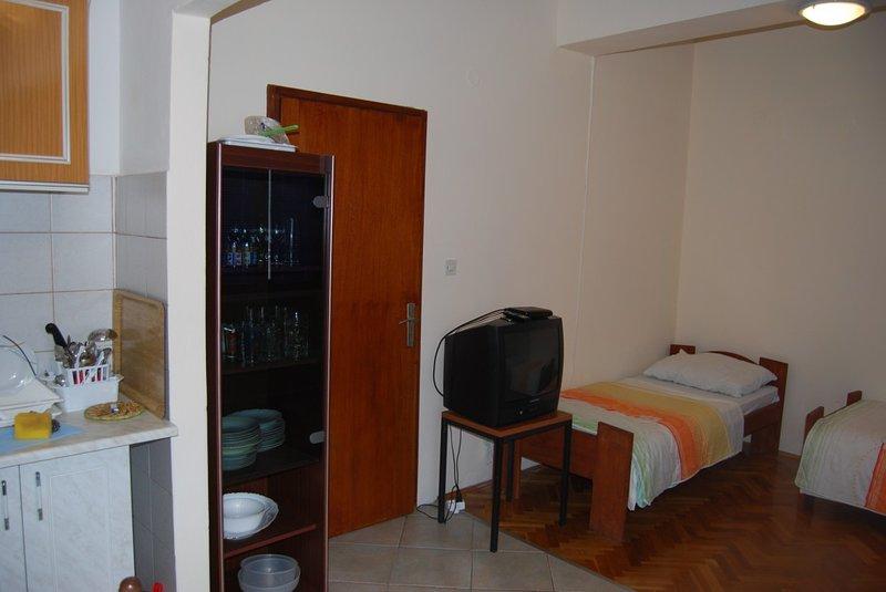 Holiday home 166737 - Holiday apartment 171786, vacation rental in Pridraga