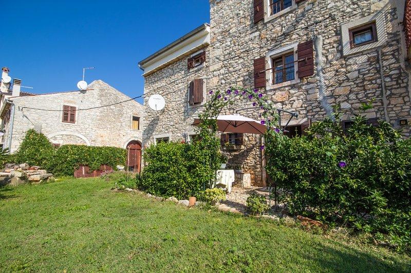 Holiday home 147764 - Holiday apartment 133681, holiday rental in Buzinija