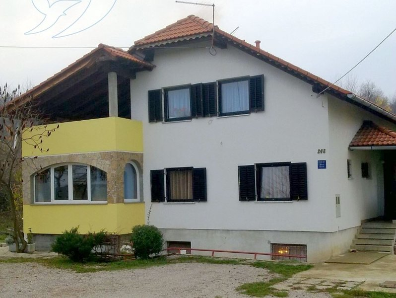 Holiday home 167157 - Guest room 172953, holiday rental in Grabovac