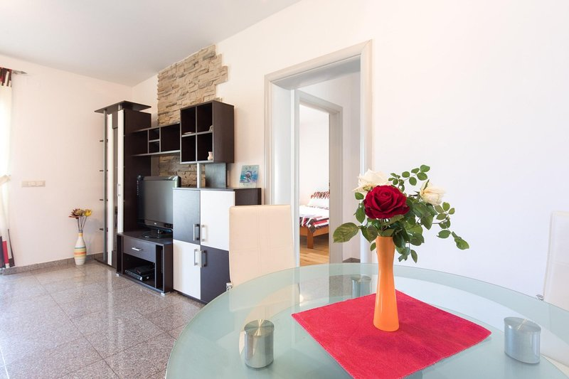 Holiday home 186048 - Holiday home for sole use 216873, holiday rental in Milcetici