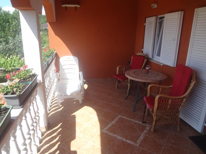 Valica Apartment Sleeps 4 with Air Con - 5466949, vacation rental in Valica