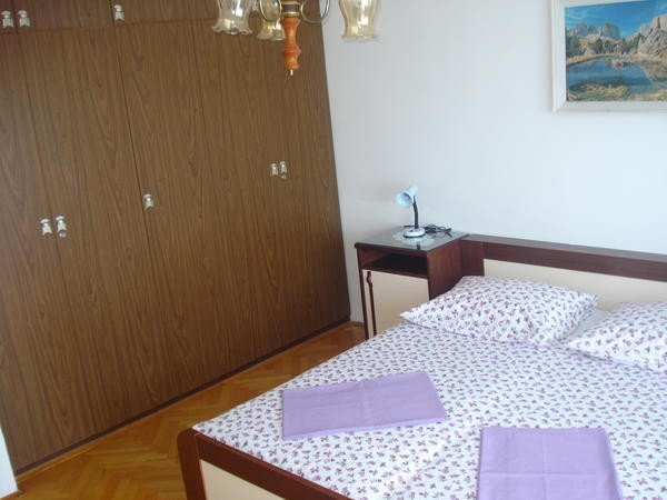 Holiday home 164097 - Holiday apartment 166266, holiday rental in Naklice