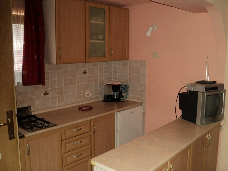 Holiday home 141764 - Studio apartment 121640, holiday rental in Vrh