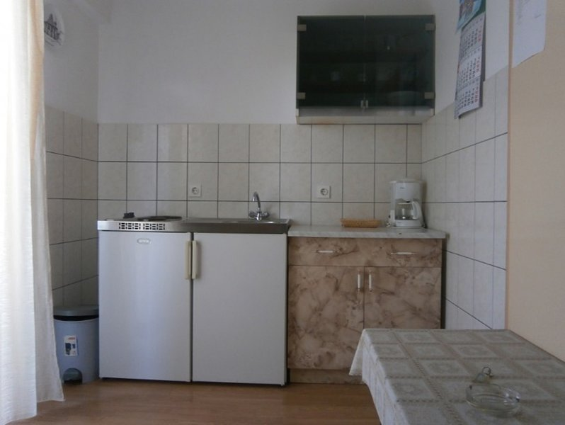 Holiday home 104812 - Studio apartment 171702, vacation rental in Zizanj Island