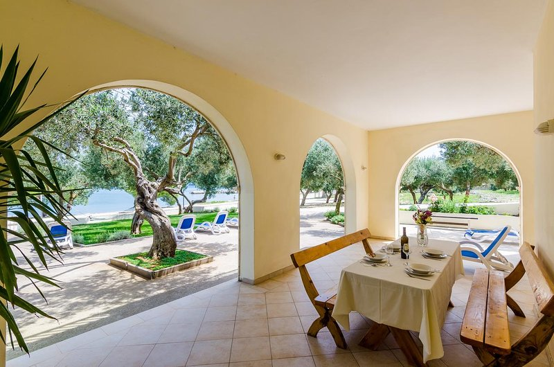 Drace Apartment Sleeps 4 with Air Con - 5463029, alquiler de vacaciones en Drace