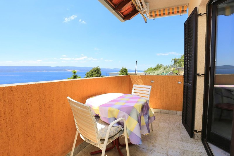 Kutlesa Apartment Sleeps 3 with Air Con - 5460032, holiday rental in Marusici