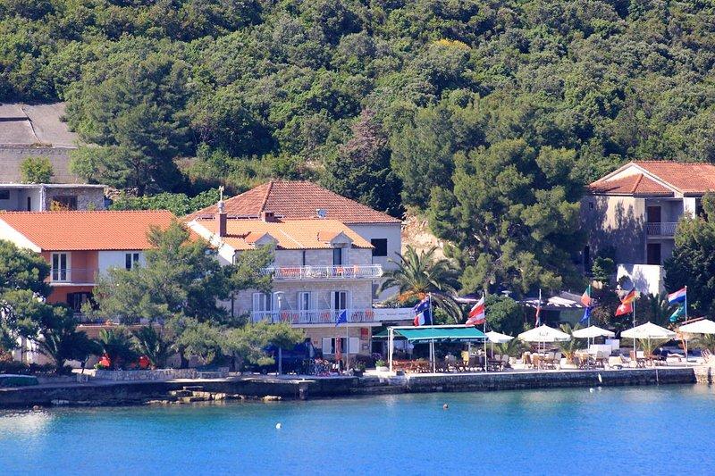 Loviste Apartment Sleeps 3 with Air Con - 5469967, holiday rental in Loviste