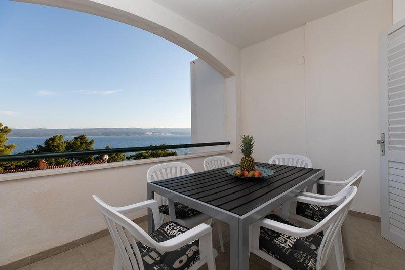 Medici Apartment Sleeps 6 with Air Con - 5811093, vacation rental in Medici