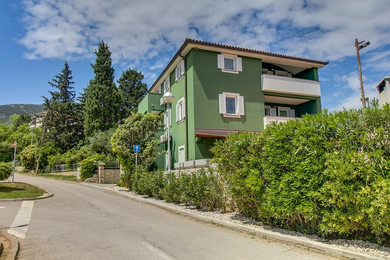 Nerezine Apartment Sleeps 6 with Air Con - 5470865, vacation rental in Nerezine