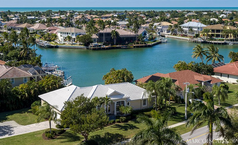 TIDEWATER - Walk to Tigertail Beach !, vacation rental in Marco Island