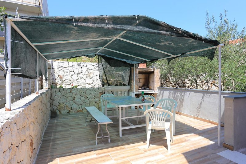 Poljica Kozicka Apartment Sleeps 6 with Air Con - 5807970, alquiler de vacaciones en Poljica