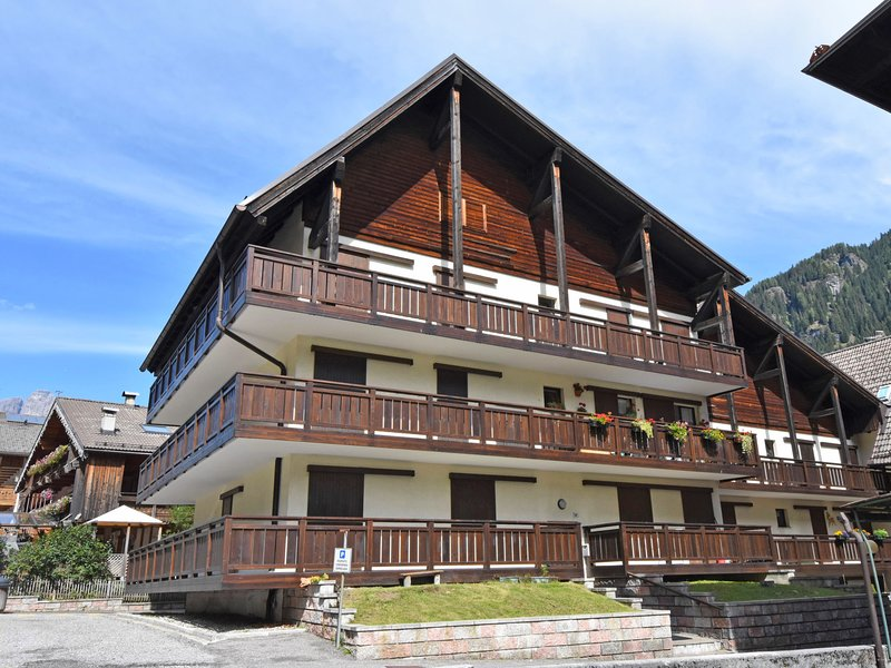 Marmolada, vacation rental in Canazei