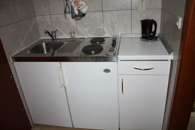 Holiday home 146926 - Studio apartment 131814, alquiler de vacaciones en Drvenik
