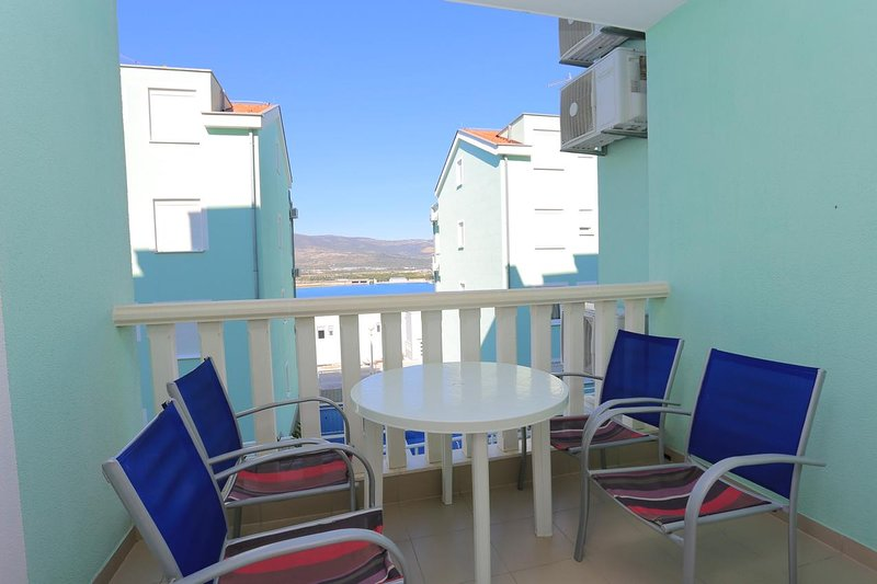 Mastrinka Apartment Sleeps 5 with Pool and Air Con - 5470782, location de vacances à Zedno