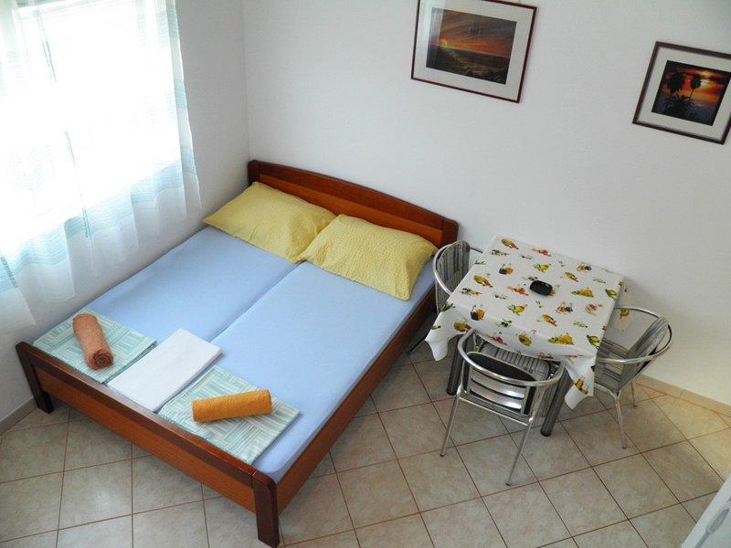 Holiday home 110146 - Studio apartment 214767, vacation rental in Batomalj