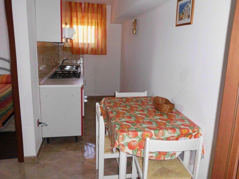Holiday home 152179 - Holiday apartment 140146, location de vacances à Pomer