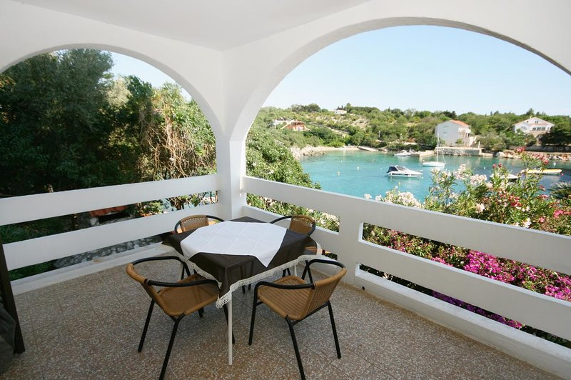 Potocnica Apartment Sleeps 4 with Pool and Air Con - 5465896, vacation rental in Potocnica