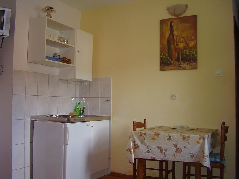 Holiday home 139854 - Studio apartment 117181, holiday rental in Dol