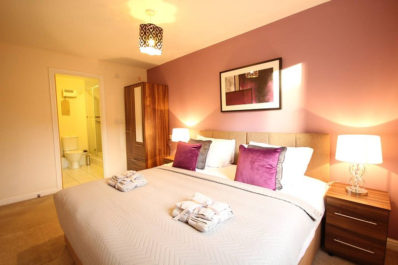 Southampton Central Apartments - Wise Stays, vacation rental in Eastleigh