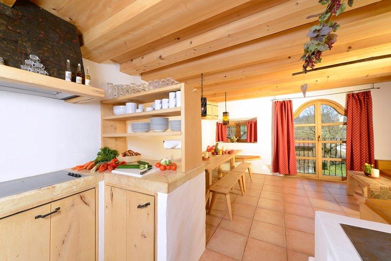 Ferienwohnung mit 3 Schlafzimmern, holiday rental in Bad Endorf