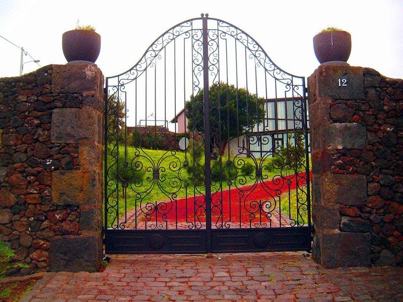 Villa 'Gala da Vittoria', Ferienwohnung in Rabo de Peixe