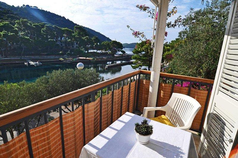 Pasadur Apartment Sleeps 2 with Air Con - 5468269, aluguéis de temporada em Ubli