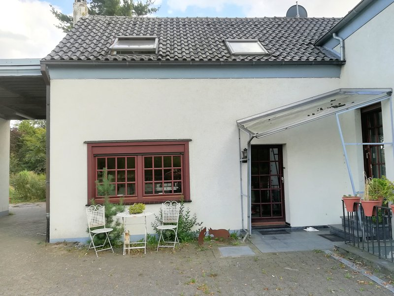 Ferienwohnung in Moers zu vermieten - Monteurwohnung Messegäste, holiday rental in Krefeld