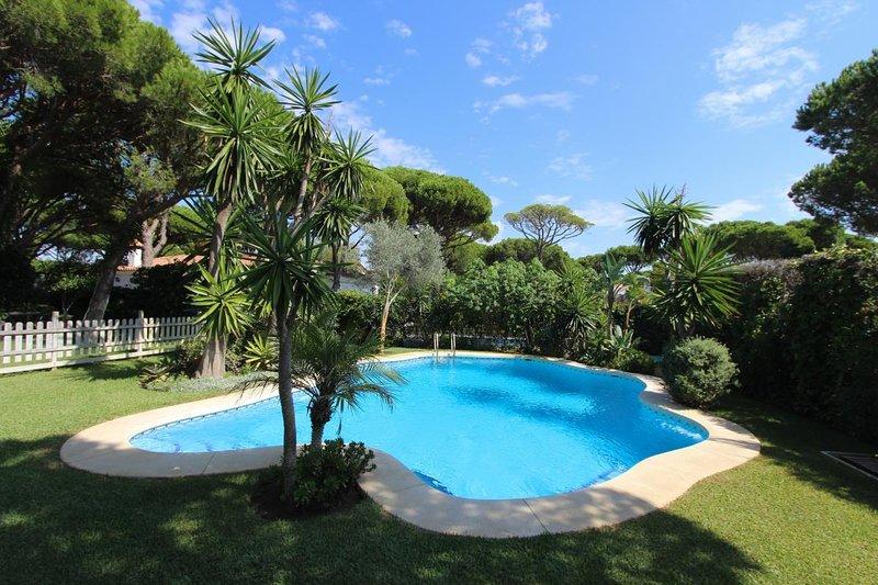 Villa Urbanización Roche. Conil de la Frontera, holiday rental in Roche