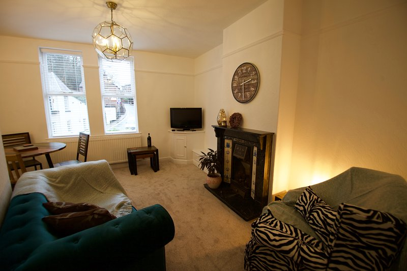 Lymm Village Apartment, location de vacances à Mobberley