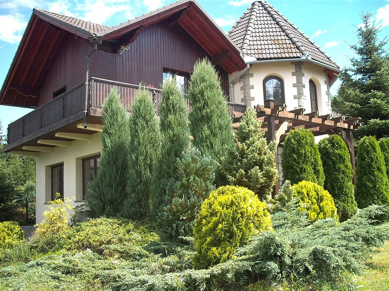 Zameczek Falsztyn, vacation rental in Rzepiska