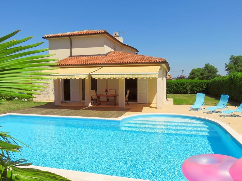 Villa Lavanda - summer house with private a pool, vacation rental in Porec