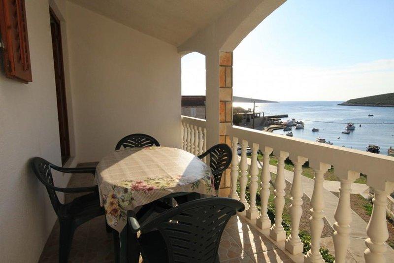 Rukavac Apartment Sleeps 4 with Air Con - 5460221, holiday rental in Rukavac