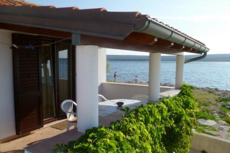 Nerezine Apartment Sleeps 4 with Air Con - 5467766, alquiler de vacaciones en Nerezine
