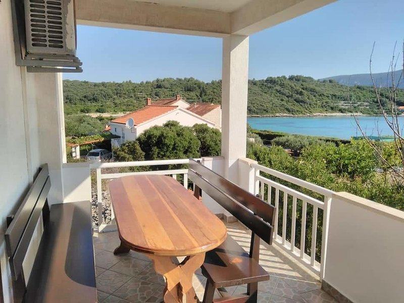 Kneza Apartment Sleeps 6 with Air Con - 5739021, holiday rental in Pupnat