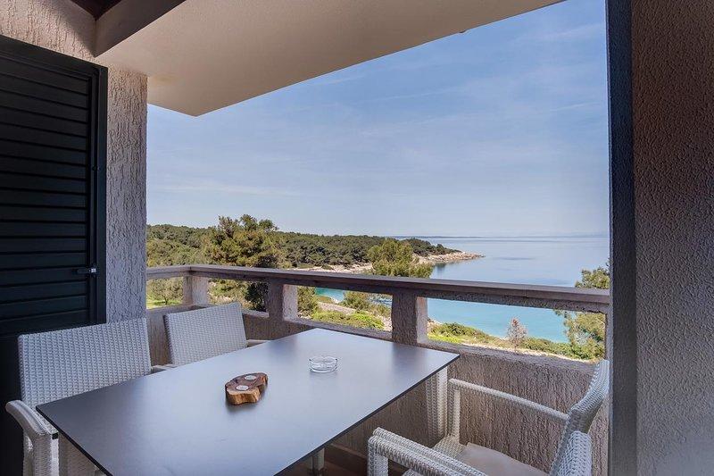 Mali Losinj Apartment Sleeps 5 with Air Con - 5460764, holiday rental in Veli Lošinj