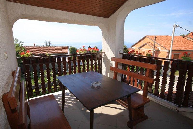Matulji Apartment Sleeps 4 with Air Con - 5467695, holiday rental in Pobri