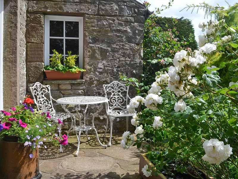 Rose Cottage - LPD, holiday rental in Mealsgate